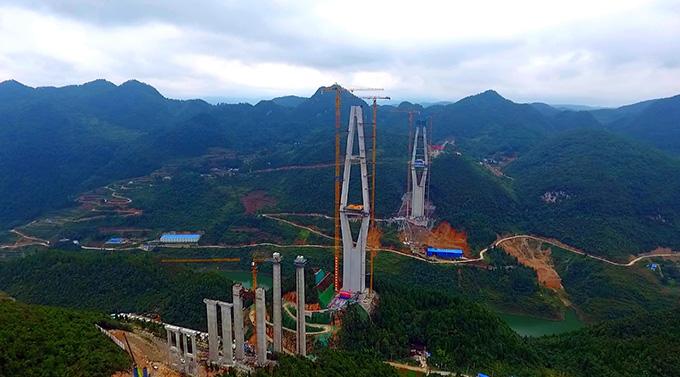 P7527 桥梁 中铁广州工程局yabovip下载在贵州遵余高速TJ一Vll标湘江特大桥工地 1.jpg